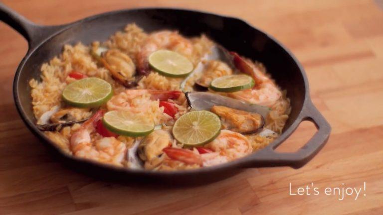 Seafood Tom Yum Paella
